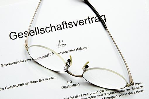 Steuerberatung zu Unternehmensstrukturierung und Rechtsformwahl